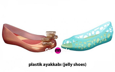 Plastik ayakkabı (jelly shoes)