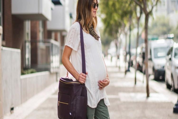 Hamilelikte Rahat Ve Şık Giysiler Seçmenin Önemi