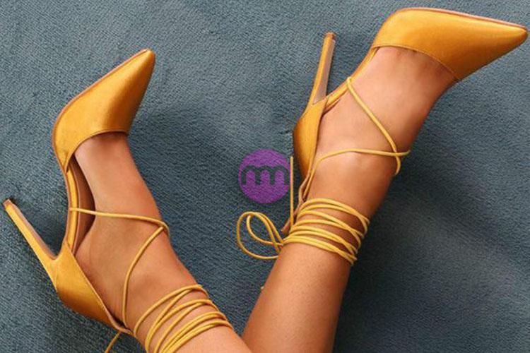 Küçük Ayaklı Kadınlar İçin Ayakkabı