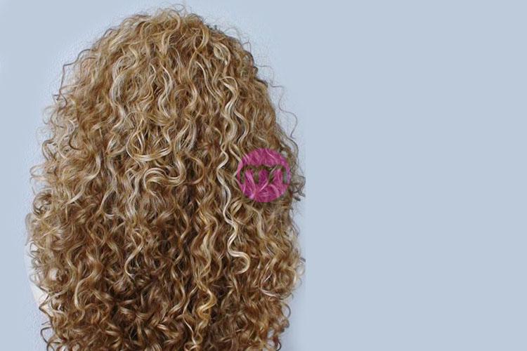 Kıvırcık Saçlı Kadınlar Nasıl Giyinmeli?