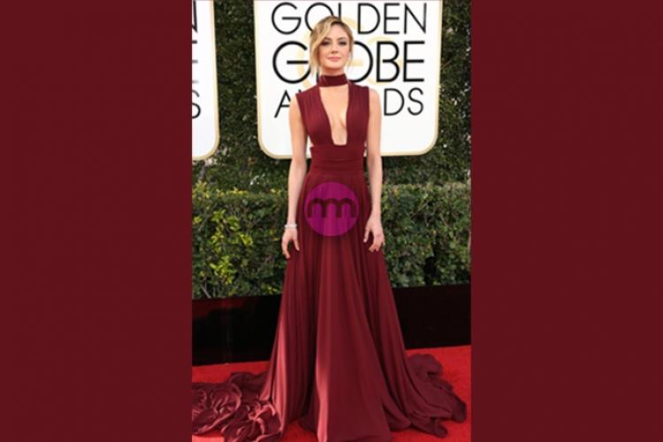 Kırmızı Halı - Bordo Elbise Modelleri